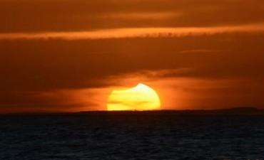 Así se vio el eclipse parcial de sol en La Paloma