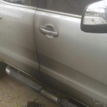 Intentaron prender fuego el vehículo del secretario del Centro Comercial de Rocha