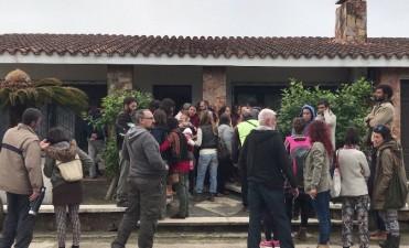 Una familia dejará Santa Isabel atemorizada por las amenazas de un vecino