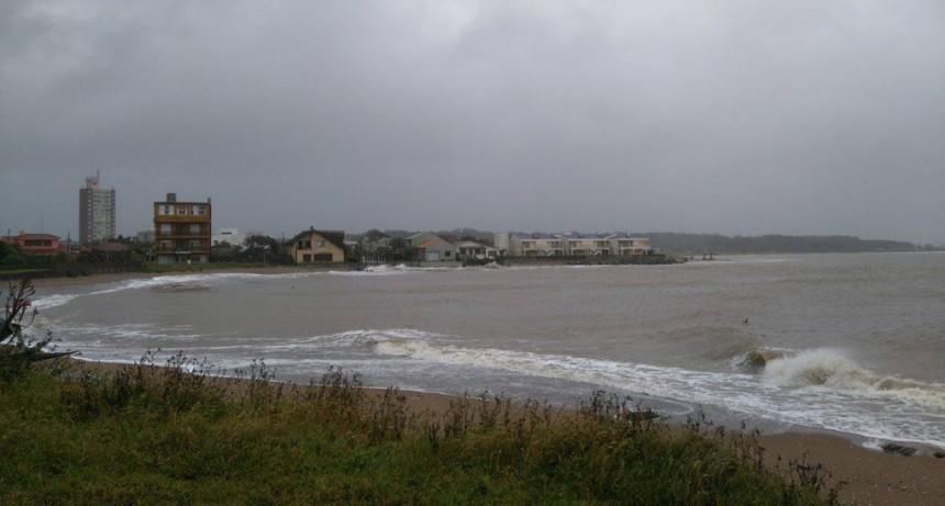 Atención: alerta roja por vientos muy fuertes y persistentes