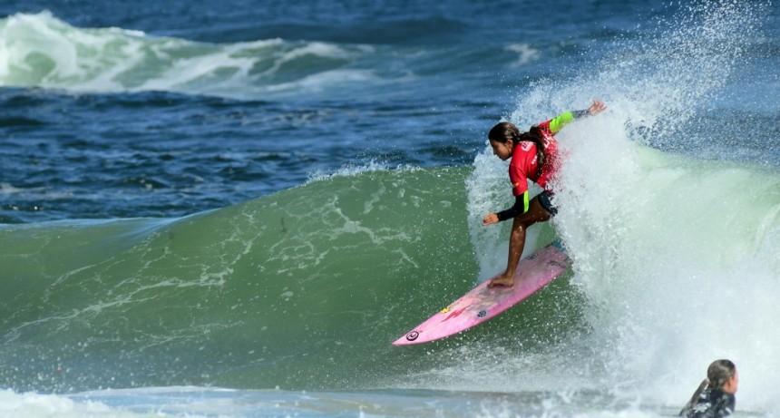 Encuentro de Surf femenino en La Paloma