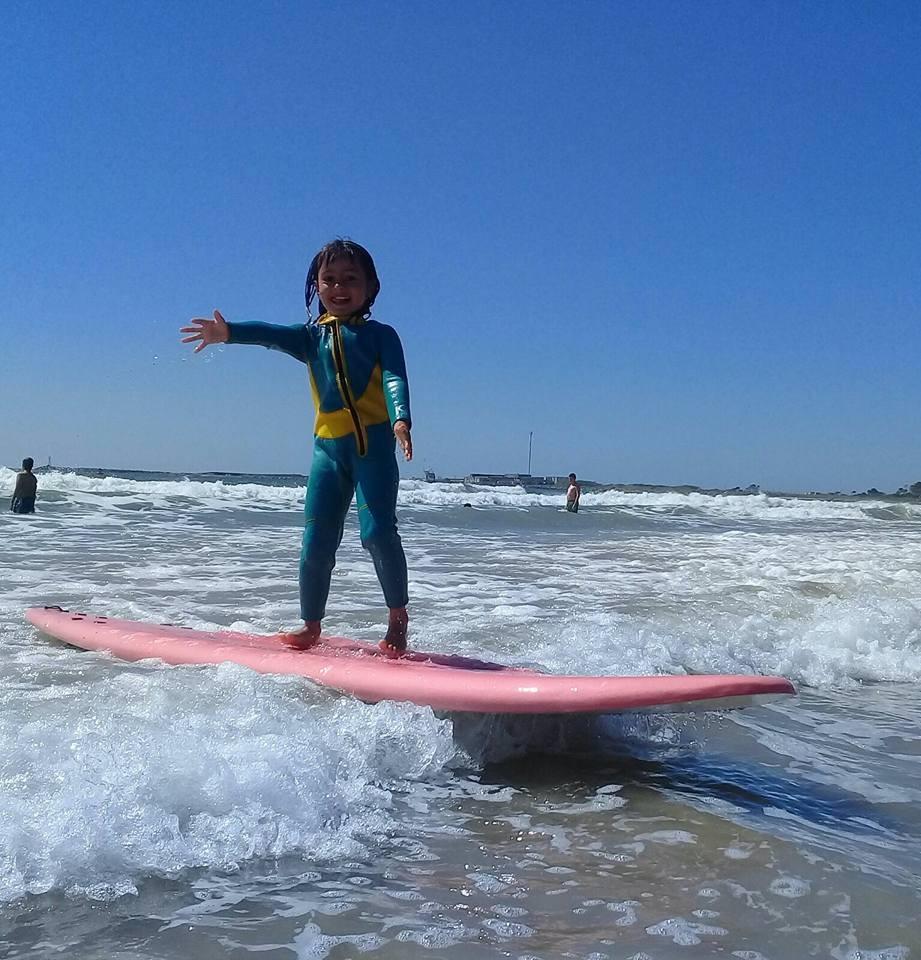 Campeonato de surf para niños
