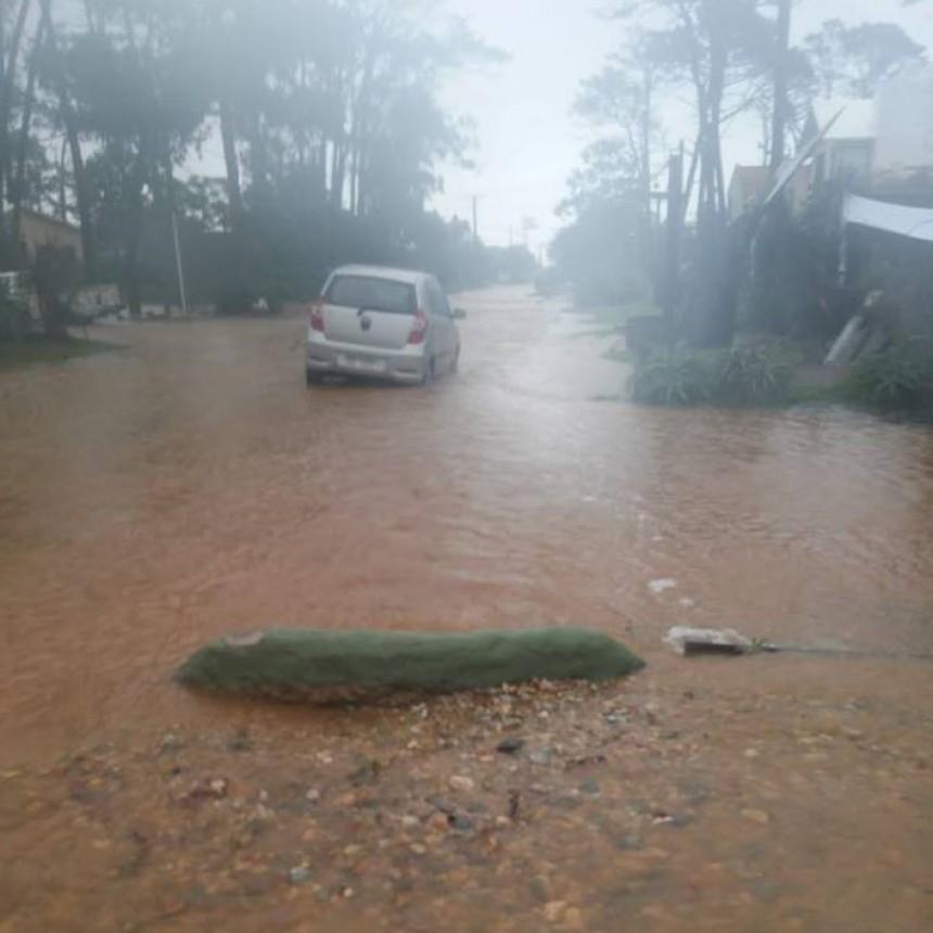 Vecinos de Anaconda reclaman soluciones ante las inundaciones