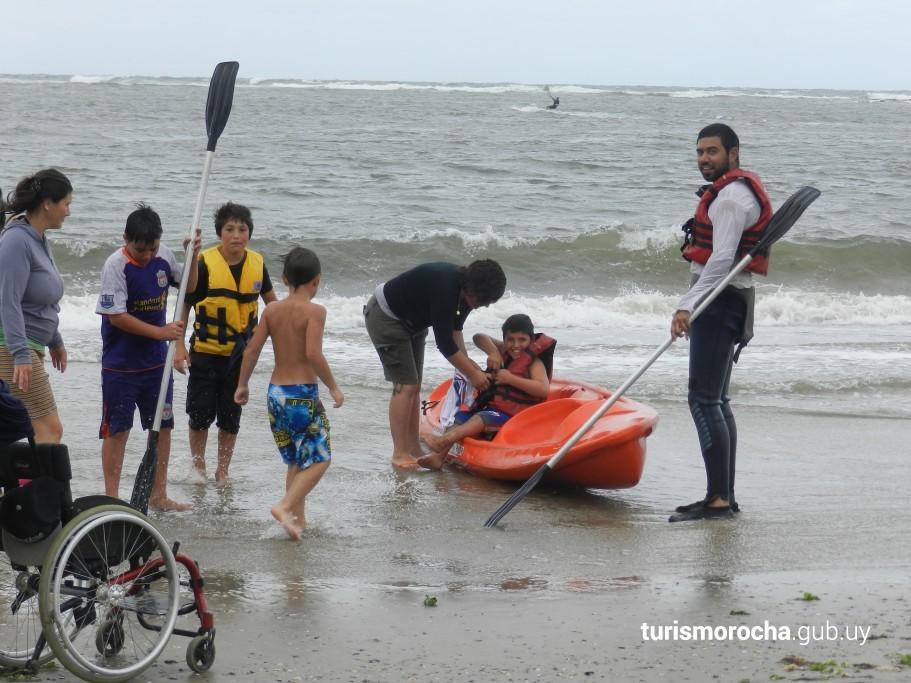 Actividades en la playa accesible de La Paloma
