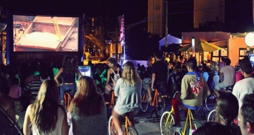 Verano a pedal, Efecto Cine presenta los 20 años de 25 watts