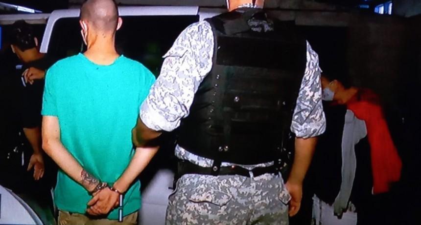 Se entregaron las cuatro personas que agredieron a policías en Costa Azul