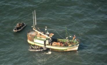 Armada capturó pesquero ilegal frente a costas de Rocha