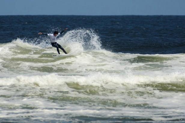 Buscando las mejores olas en turismo