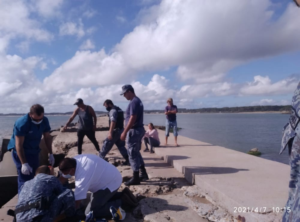 Un hombre cayó en la escollera del Puerto de La Paloma