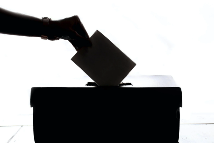 Elecciones en  la ong. SOS