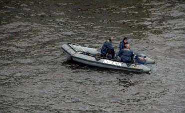 Fuerza Aérea rescató a dos navegantes varados en costas de Rocha