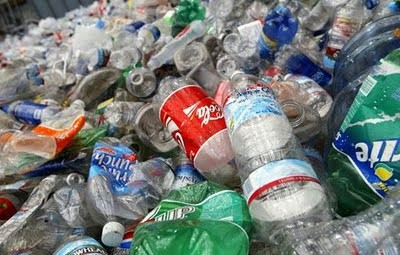 Se necesitan botellas de plástico