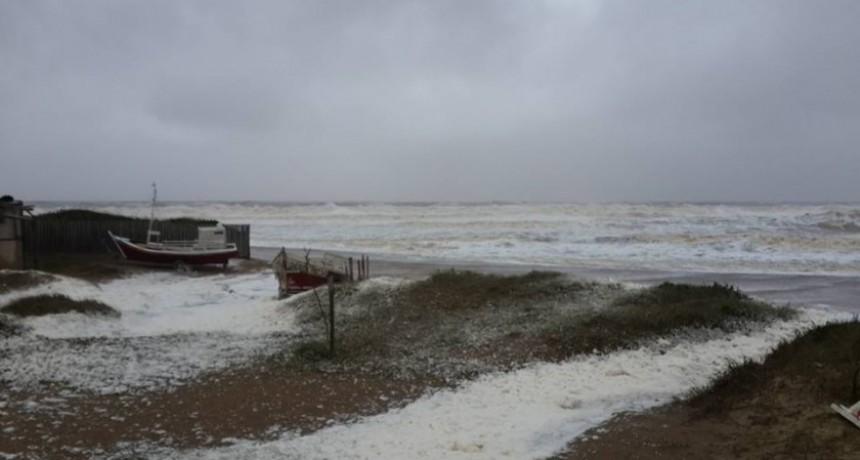 INUMET advierte por vientos fuertes y sostenidos