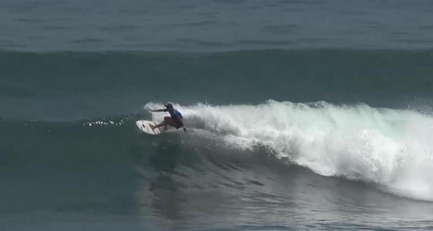Haciendo historia: Delfina Morosini entre las 16 mejores surfistas del mundo