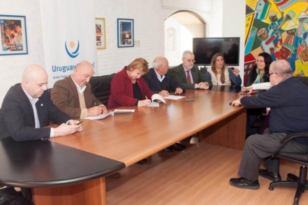 Intendencia de Rocha y la Organización de Gestión de Destino Rocha (OGD) firmaron Convenio de Marca País