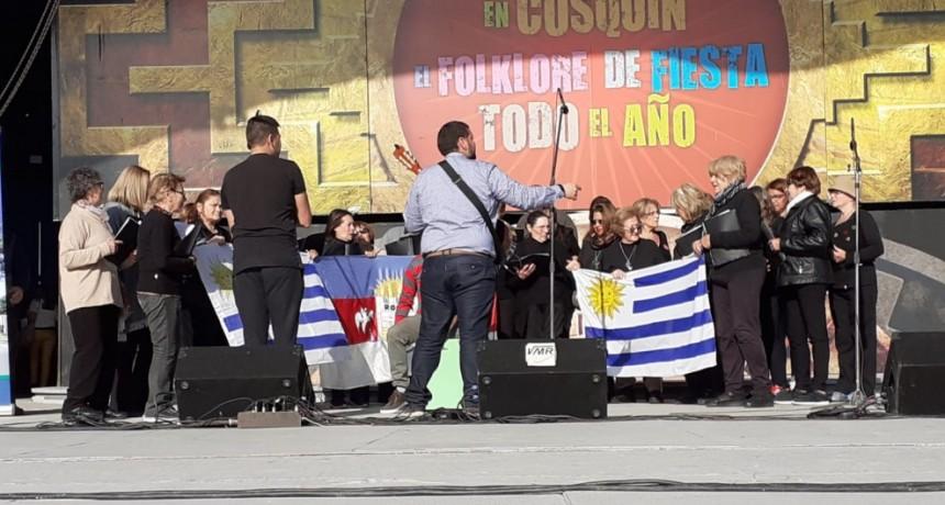 El Coro de abuelos de La Aguada se fue a cantar a Cosquín