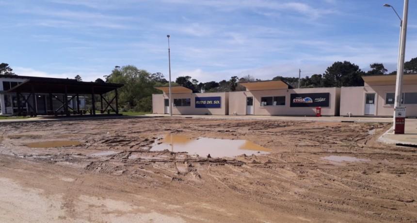 La Pedrera: vecinos piden que asfalten la terminal