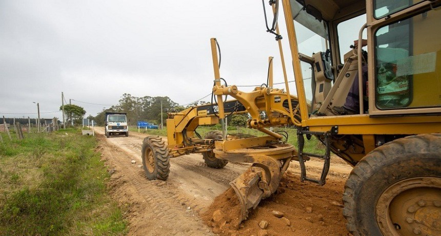Intendencia de Rocha comenzó trabajos de reparación en camino a la Laguna