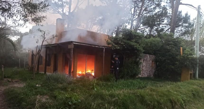 Policía investiga incendio en una casa de La Pedrera