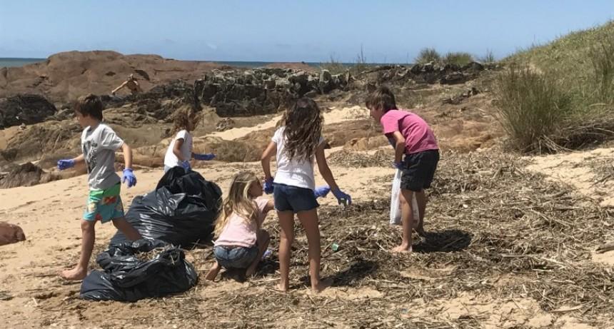 Postergan limpieza de playas
