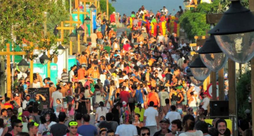 """Intendente Alejo Umpiérrez: """"el carnaval de La Pedrera lo vemos inviable este año"""""""