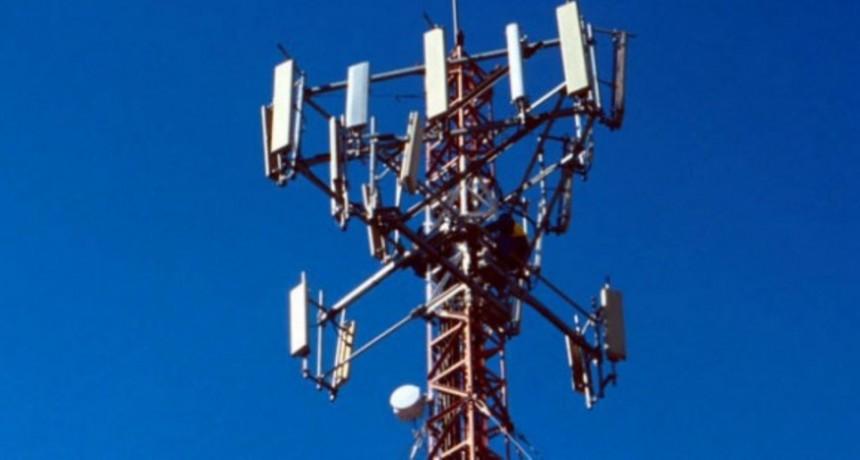 ¿Bajo presión? Denuncian a la Junta Departamental por autorizar antenas de telefonía en zona de exclusión