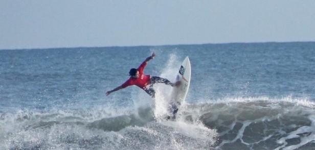 LUISMA ITURRIA ES EL NUEVO CAMPEÓN NACIONAL DE SURF