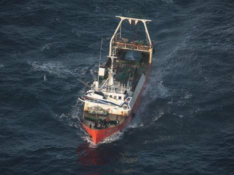 Capturan dos pesqueros ilegales frente a costa rochense