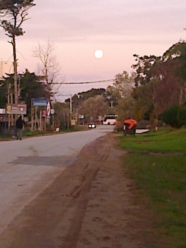 El fenómeno de la super luna se vio en nuestras costas
