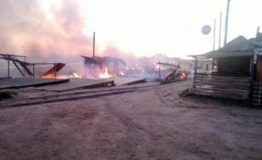 LA INTENDENCIA DE ROCHA DARÁ EL APOYO NECESARIO PARA RECONSTRUIR LA FERIA DE PUNTA DEL DIABLO
